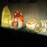 """Lampes """"radioactive shells""""Assemblage de papier artisanal sur armature metal"""